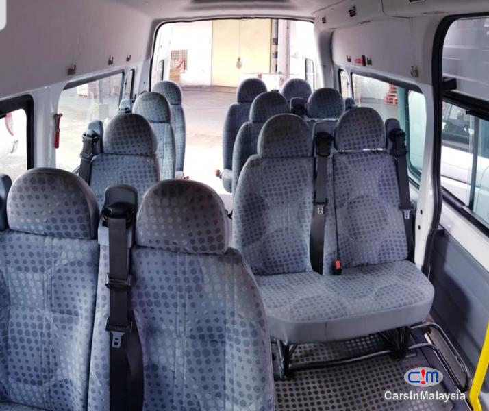 Ford Transit 2.2-LITER 13 SEATER DIESEL TRANSPORT Manual 2015 - image 11
