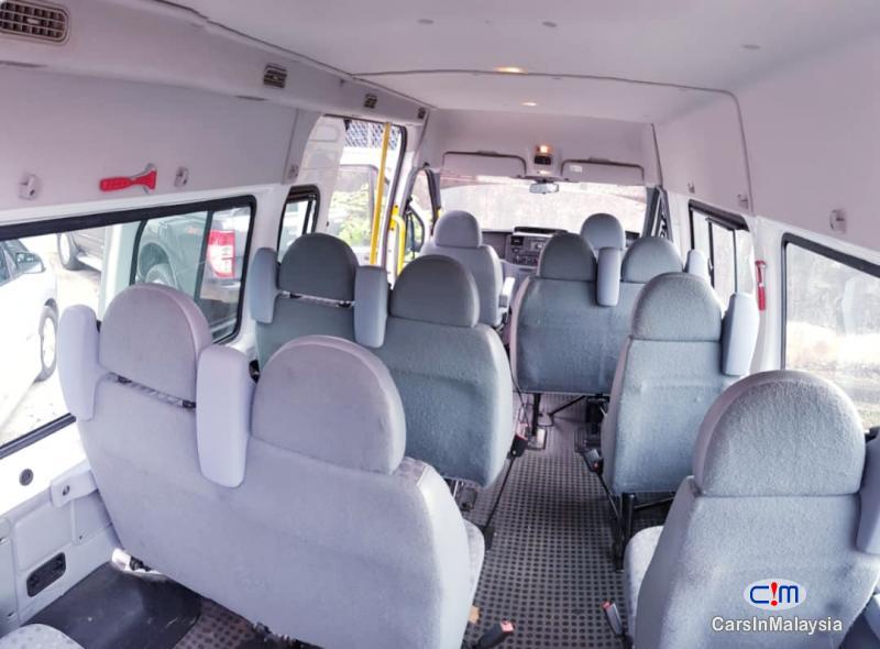 Ford Transit 2.2-LITER 13 SEATER DIESEL TRANSPORT Manual 2015 - image 9
