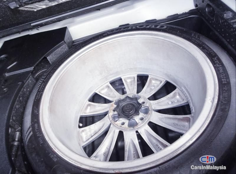Volkswagen Passat 2.0-LITER LUXURY SEDAN TFSI TURBO Automatic 2011 - image 11
