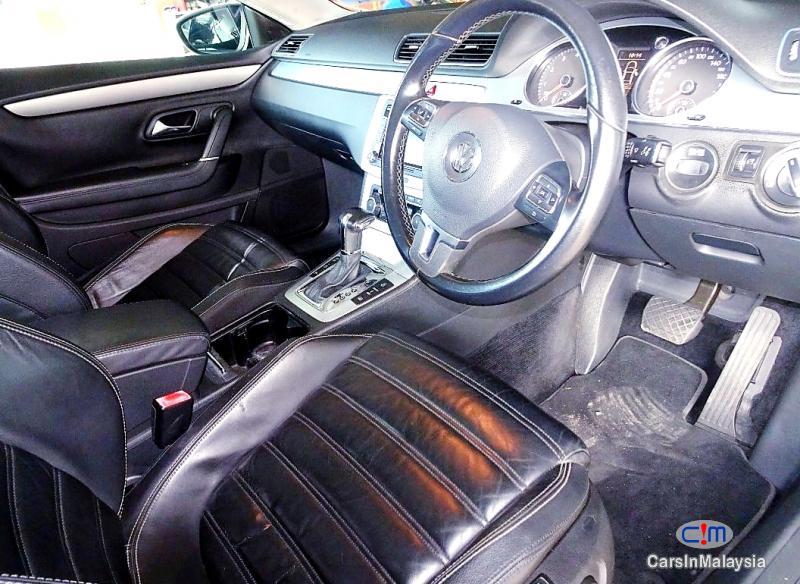 Volkswagen Passat 2.0-LITER LUXURY SEDAN TFSI TURBO Automatic 2011 - image 9