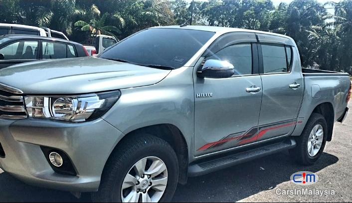 Pictures of Toyota Hilux REVO 2.4 Manual 2018