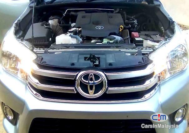 Toyota Hilux REVO 2.4 Manual 2018 - image 8