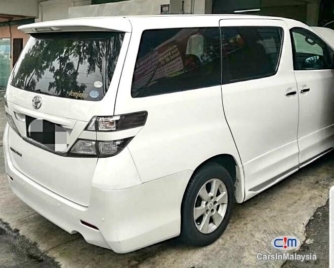 Toyota Vellfire Original Standard Recon Japan Automatic 2010