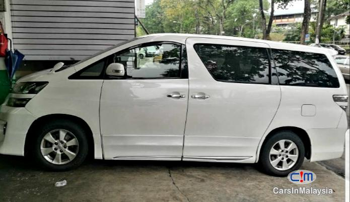 Toyota Vellfire Original Standard Recon Japan Automatic 2010 in Malaysia