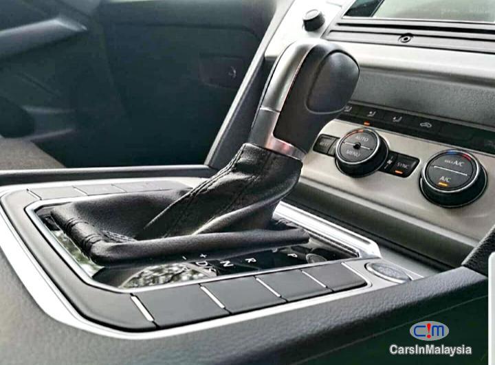 Volkswagen Passat 1800CC 280 TSi TURBO Automatic 2017 - image 12