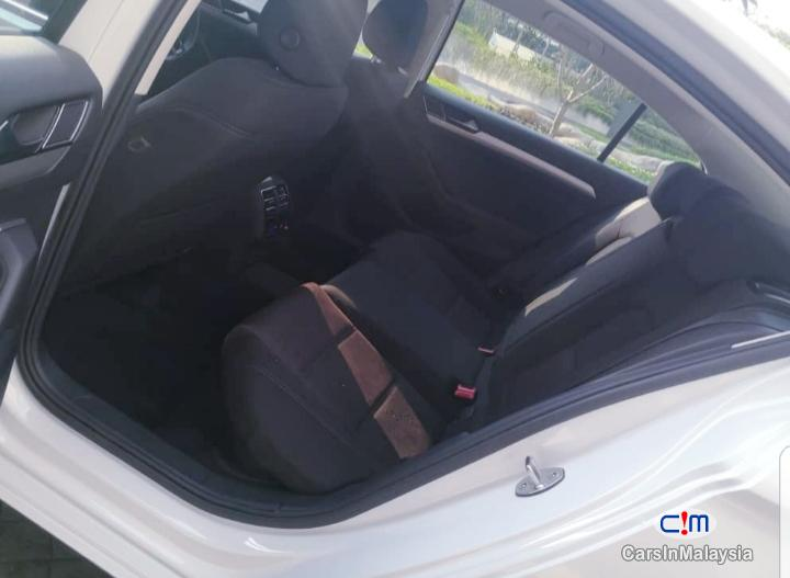 Volkswagen Passat 1800CC 280 TSi TURBO Automatic 2017 - image 9