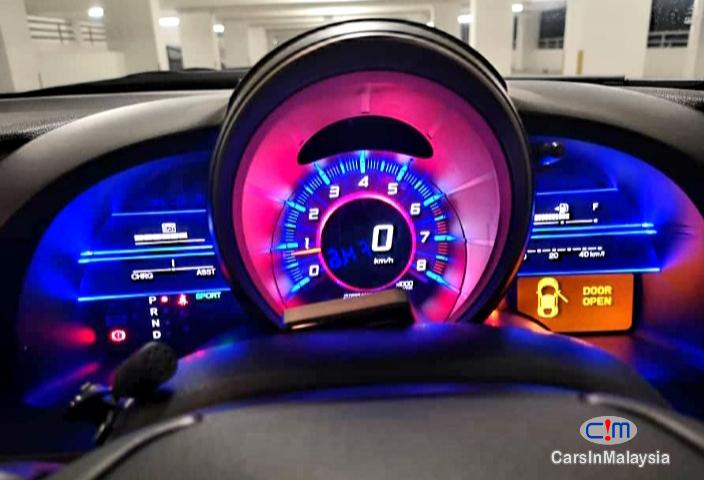 Honda CR-Z Auto 1.5 Liter Hatchback Sport Automatic 2012 in Negeri Sembilan - image