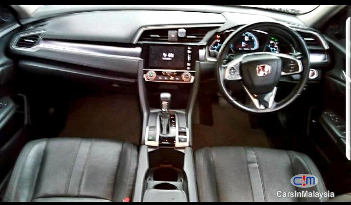 Honda Civic 1.5 Liter Turbo Automatic 2016 - image 5