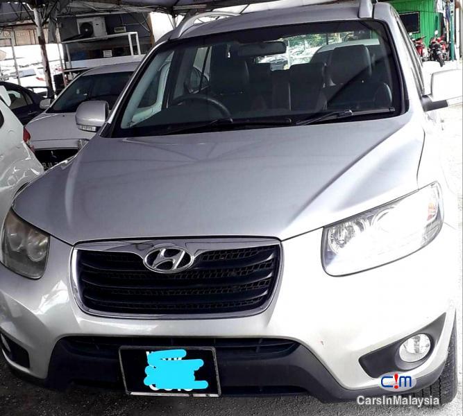 Picture of Hyundai Santa Fe 2.0-LITER LUXURY FAMILY SUV Automatic 2011
