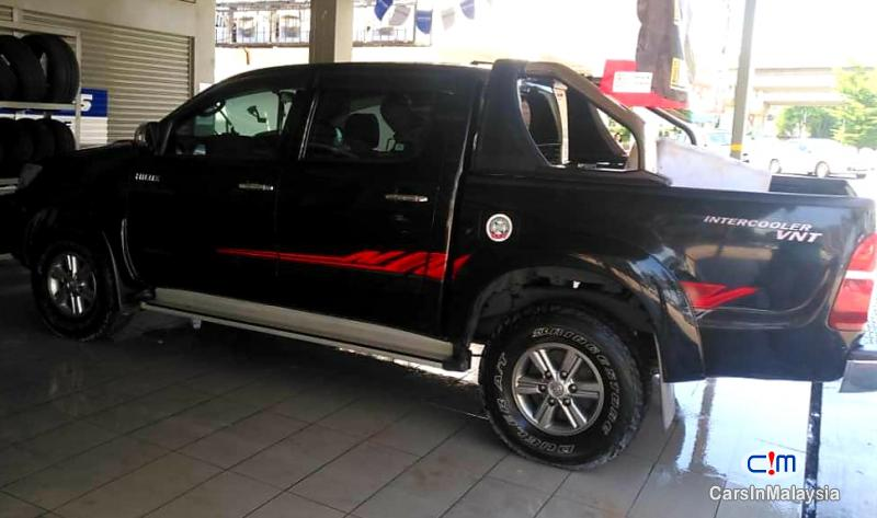 Toyota Hilux 2.5-LITER 4x4 DOUBLE CAB DIESEL TURBO Automatic 2015