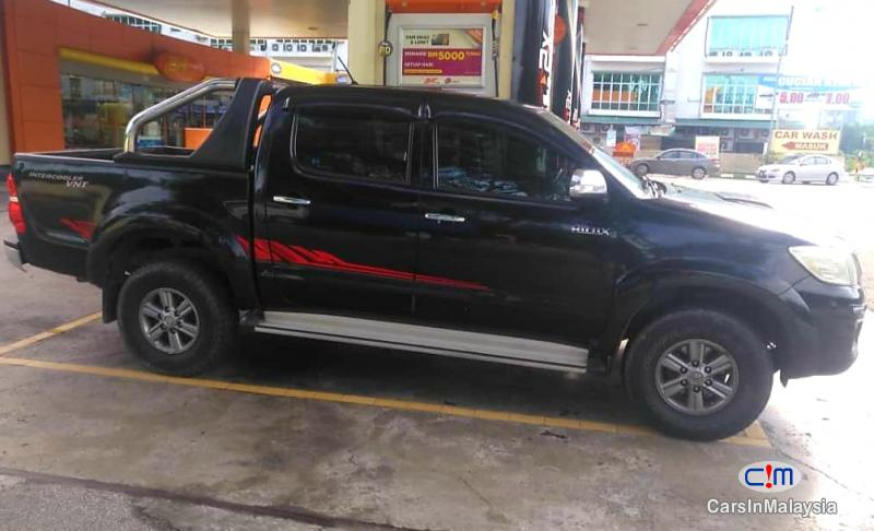 Toyota Hilux 2.5-LITER 4x4 DOUBLE CAB DIESEL TURBO Automatic 2015 in Malaysia