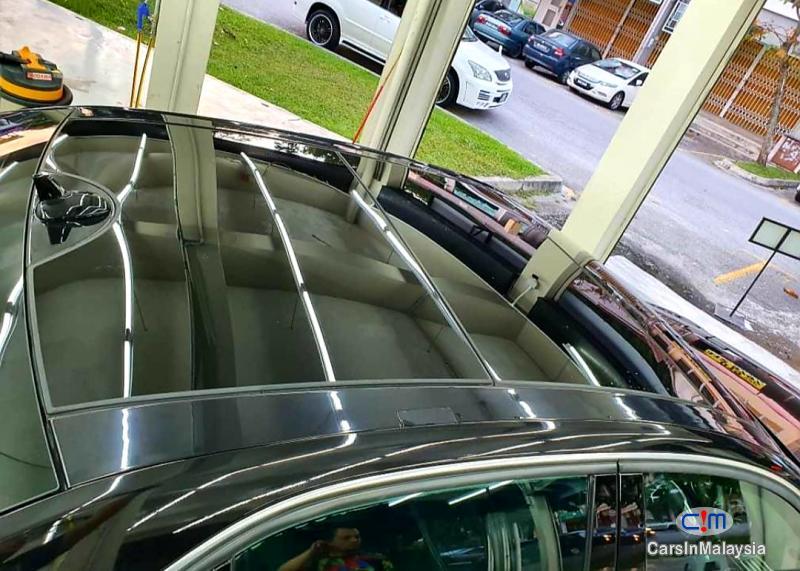 Mercedes Benz E250 2.0-LITER TURBO LUXURY SEDAN Automatic 2014 in Selangor - image
