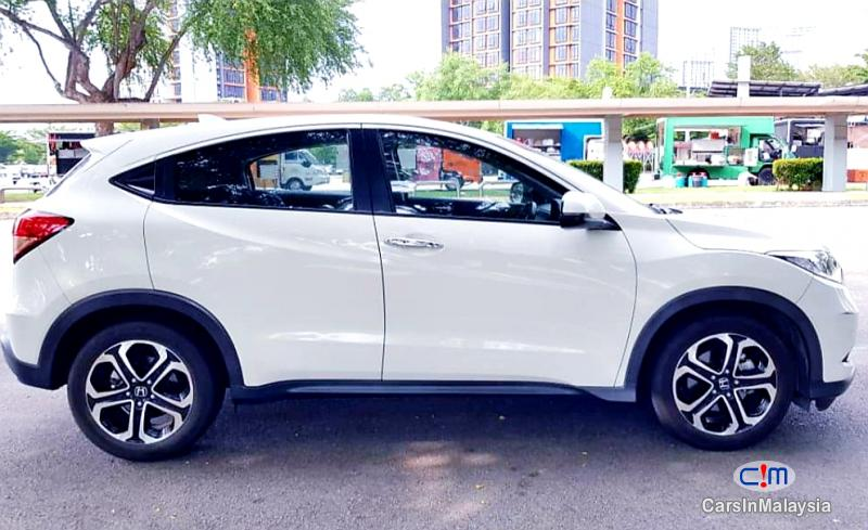 Picture of Honda HR-V 1.8-LITER ECONOMY SUV Automatic 2016 in Kuala Lumpur