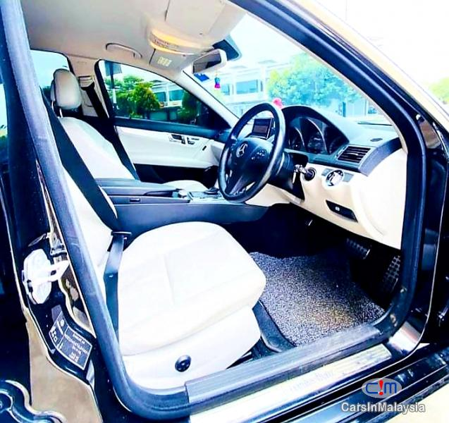 Mercedes Benz C200 CGI 1.8-LITER LUXURY SALOON Automatic 2011 in Malaysia
