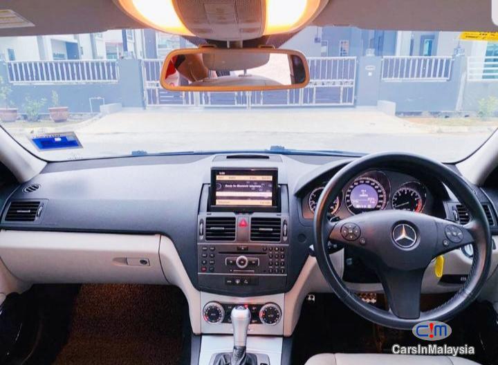 Mercedes Benz C200 CGI 1.8-LITER LUXURY SALOON Automatic 2011 in Kedah - image