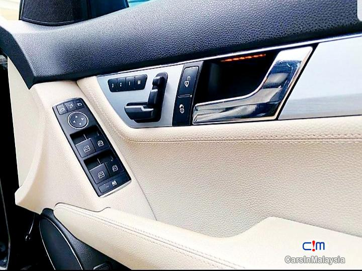 Mercedes Benz C200 CGI 1.8-LITER LUXURY SALOON Automatic 2011 in Malaysia - image
