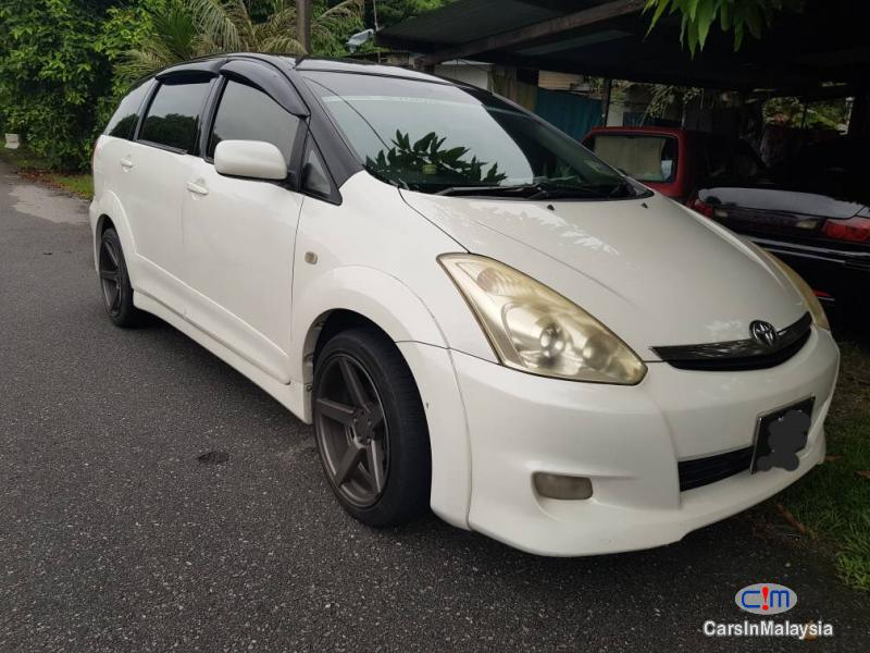 Pictures of Toyota Wish Automatic 2007