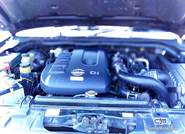 Nissan Navara 2.5-LITER DISEL TURBO 4X4 6 SPEED Manual 2013 - image 9