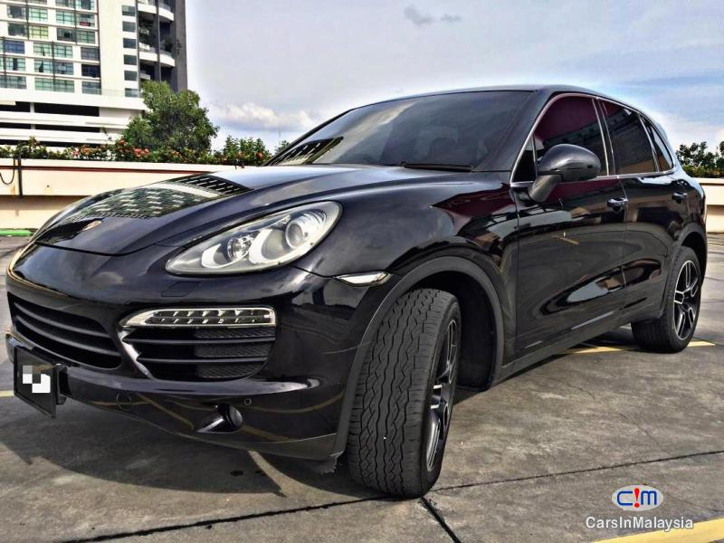Porsche Cayenne 3.6-LITER FAMILY LUXURY SUV Automatic 2012 in Selangor