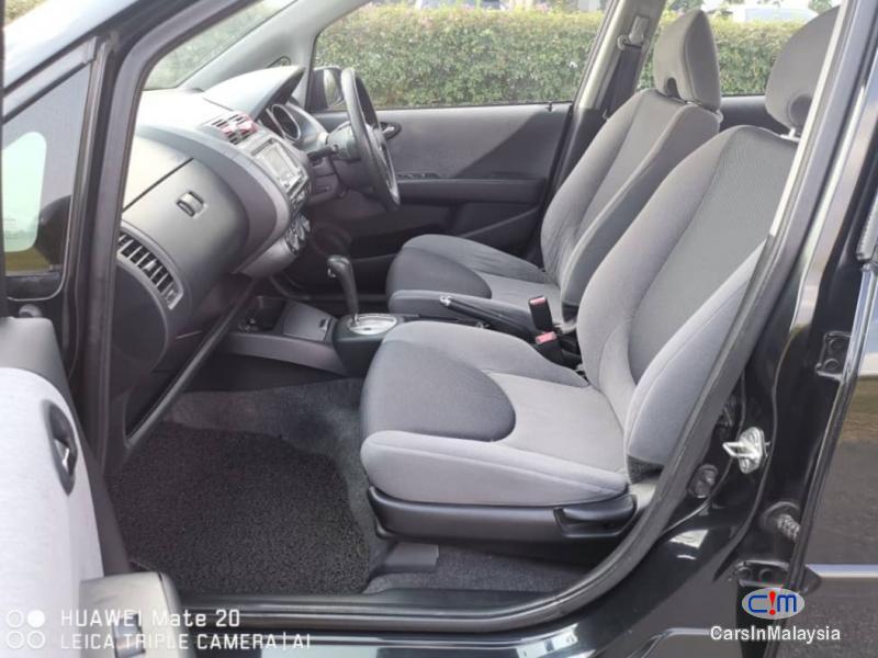 Honda Jazz 1.5-LITER ECONOMY SMALL HATCHBACK Automatic 2005 - image 9