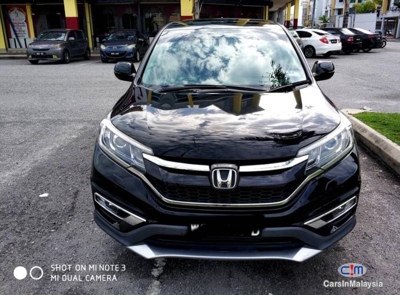 Honda CR-V 2.0-LITER LUXURY SUV Automatic 2015 in Malaysia - image