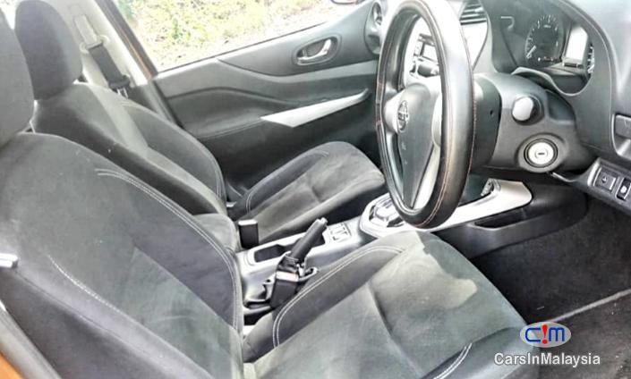 Nissan Navara 2.5-LITER 4X4 TURBO DIESEL AUTO Automatic 2017 - image 11