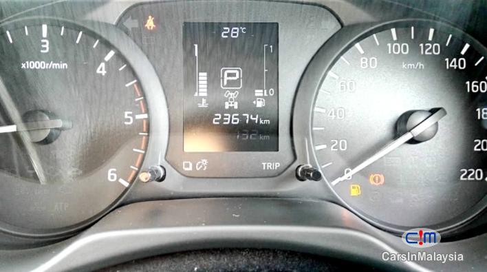 Nissan Navara 2.5-LITER 4X4 TURBO DIESEL AUTO Automatic 2017 - image 9