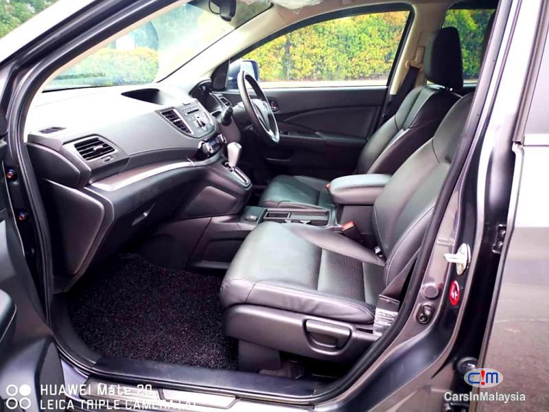Honda CR-V 2.0-LITER LUXURY FAMILY SUV Automatic 2016 - image 9