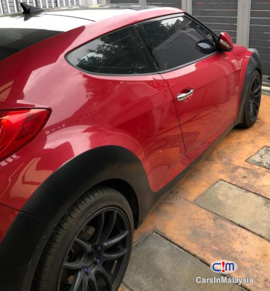Pictures of Hyundai Veloster 1.6-LITER COUPE SPORTBACK Automatic 2015