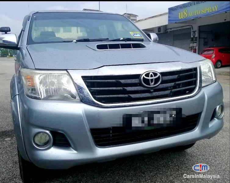 Picture of Toyota Hilux 2.5-LITER 4x4 DOUBLE CAB DIESEL INTERCOOLER TURBO Automatic 2012