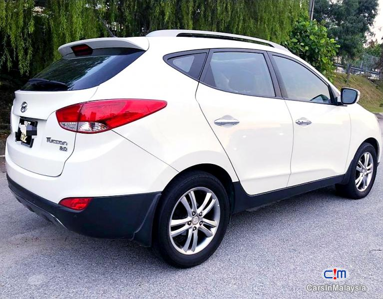 Hyundai Tucson 2.0-LITER 5 SEATERS SUV Automatic 2013 in Selangor