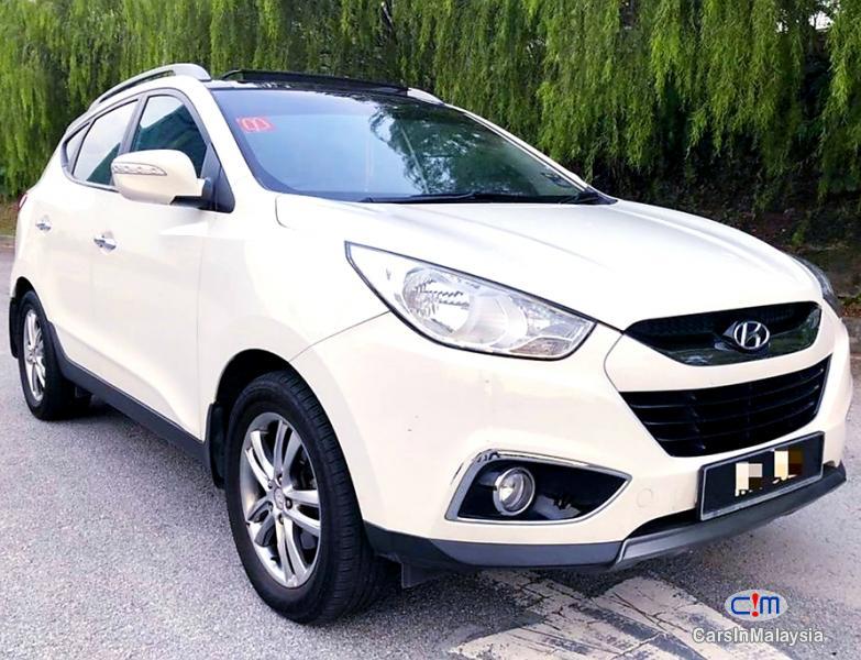 Hyundai Tucson 2.0-LITER 5 SEATERS SUV Automatic 2013 in Malaysia