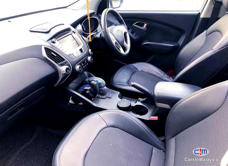 Picture of Hyundai Tucson 2.0-LITER 5 SEATERS SUV Automatic 2013 in Selangor