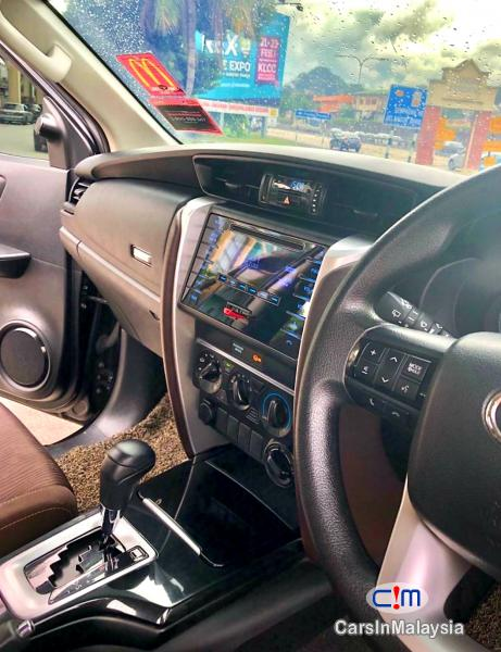 Toyota Fortuner 2.4-LITER 4X4 LUXURY FAMILY SUV 7 SEATER Automatic 2016 - image 11