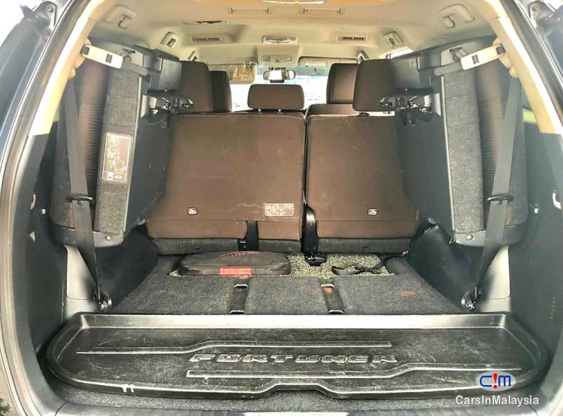 Toyota Fortuner 2.4-LITER 4X4 LUXURY FAMILY SUV 7 SEATER Automatic 2016 - image 12