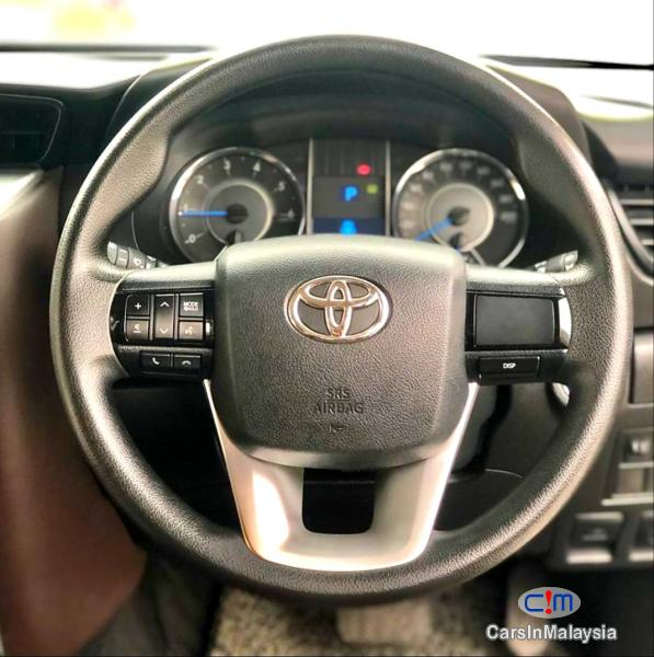 Toyota Fortuner 2.4-LITER 4X4 LUXURY FAMILY SUV 7 SEATER Automatic 2016 - image 13