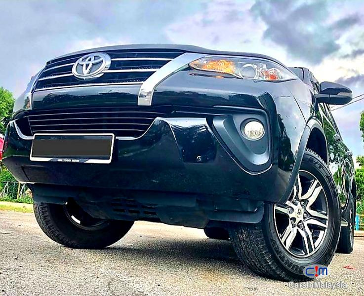 Toyota Fortuner 2.4-LITER 4X4 LUXURY FAMILY SUV 7 SEATER Automatic 2016 - image 15