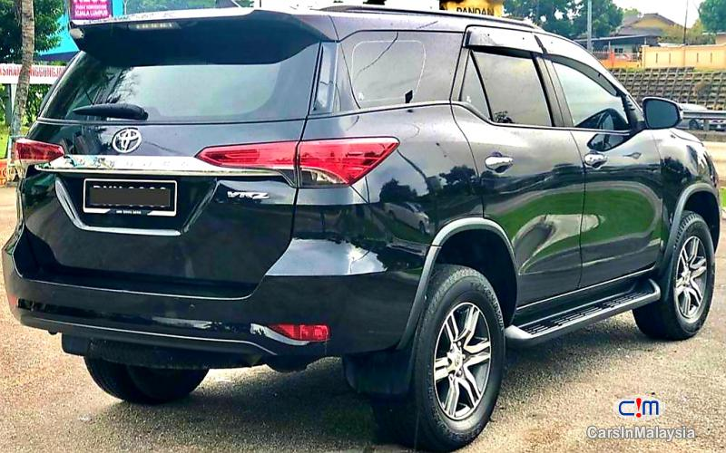 Toyota Fortuner 2.4-LITER 4X4 LUXURY FAMILY SUV 7 SEATER Automatic 2016