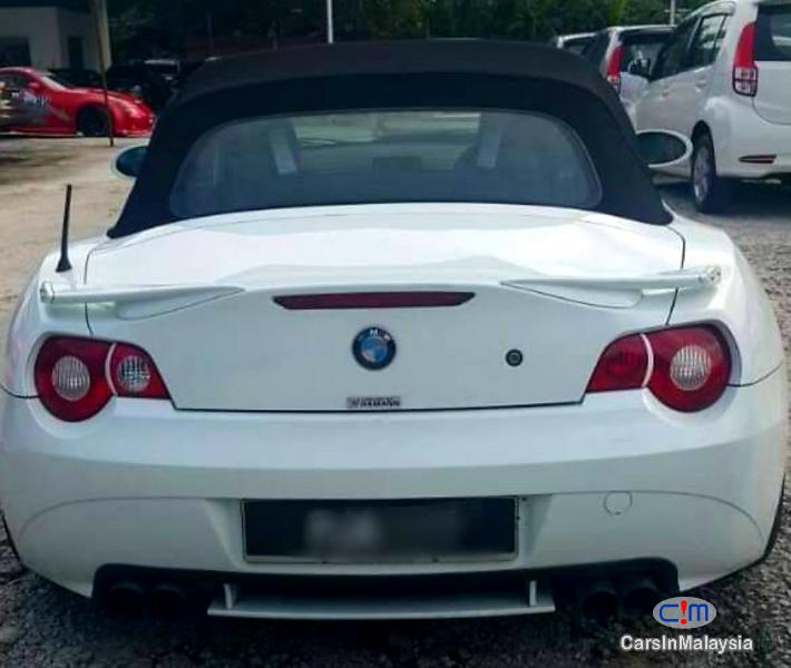BMW Z 2.5-LITER LUXURY CABRIOLET SPORT SOFT TOP Automatic 2009 in Malaysia