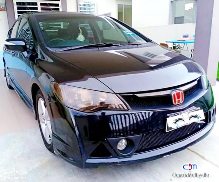 Picture of Honda Civic 2.0-LITER LUXURY SEDAN Automatic 2010 in Malaysia
