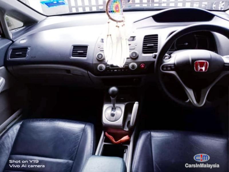 Honda Civic 2.0-LITER LUXURY SEDAN Automatic 2010 in Malaysia - image