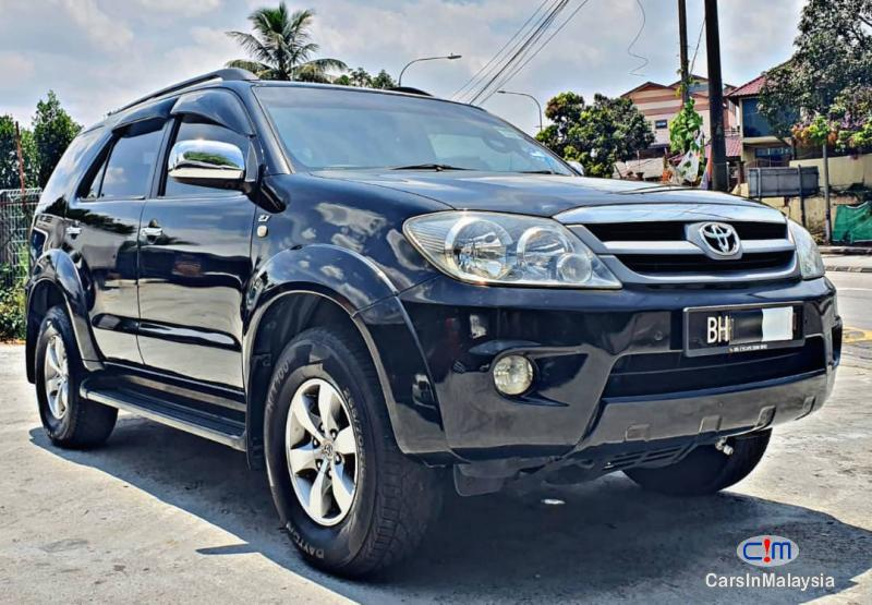 Toyota Fortuner 2.7-LITER 4WD SUV TURBO Automatic 2007 - image 12