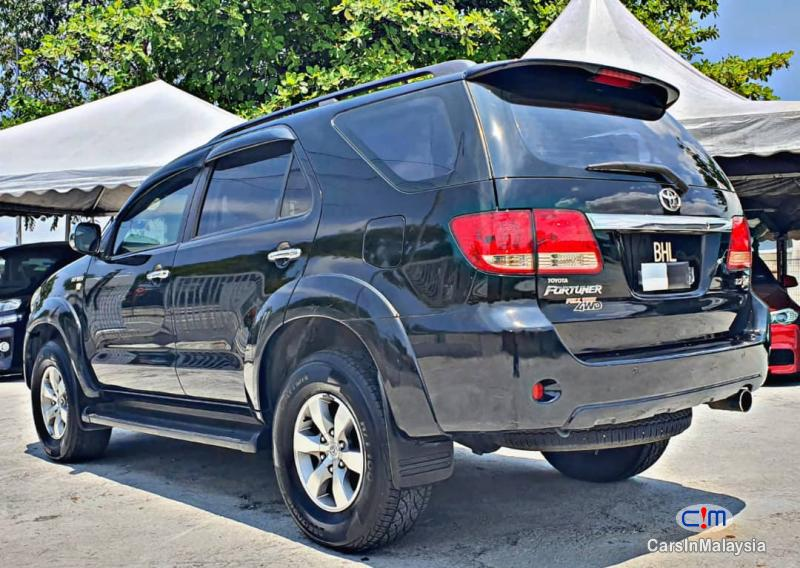 Toyota Fortuner 2.7-LITER 4WD SUV TURBO Automatic 2007 - image 13