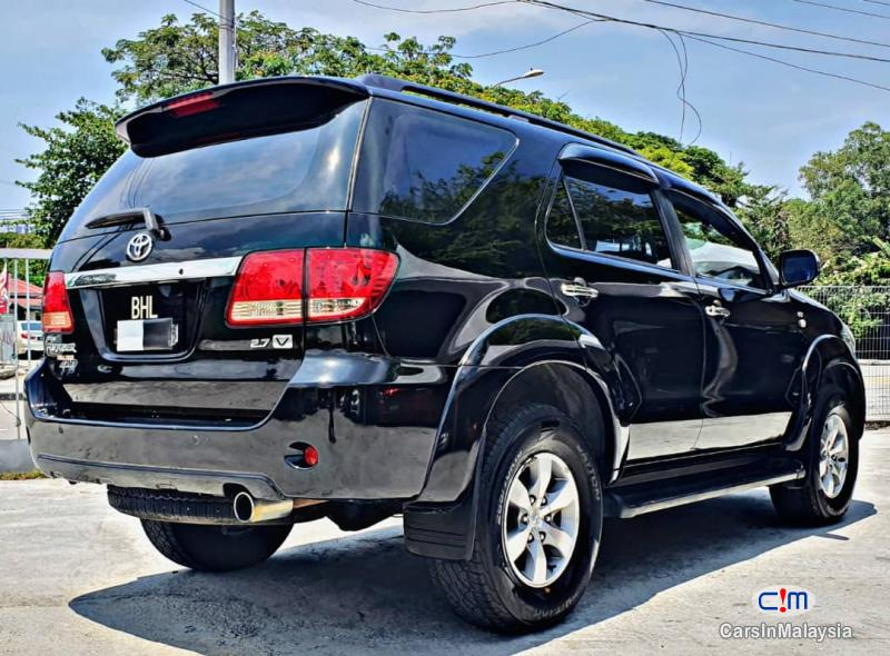 Picture of Toyota Fortuner 2.7-LITER 4WD SUV TURBO Automatic 2007
