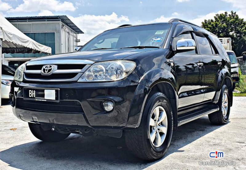 Toyota Fortuner 2.7-LITER 4WD SUV TURBO Automatic 2007