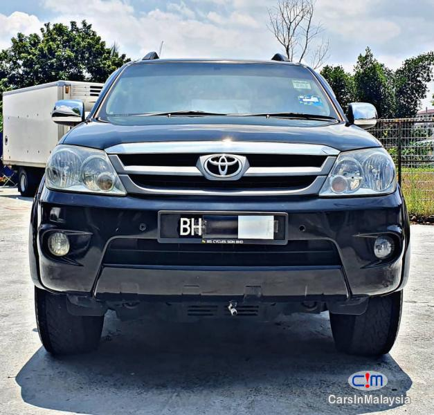 Toyota Fortuner 2.7-LITER 4WD SUV TURBO Automatic 2007 in Kuala Lumpur