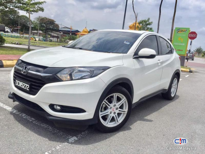 Pictures of Honda HR-V Automatic 2016