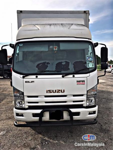 Picture of Isuzu Manual 2015