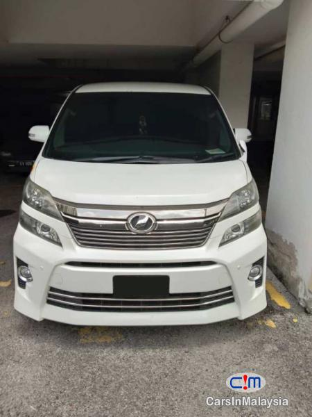 Picture of Toyota Vellfire Automatic 2012
