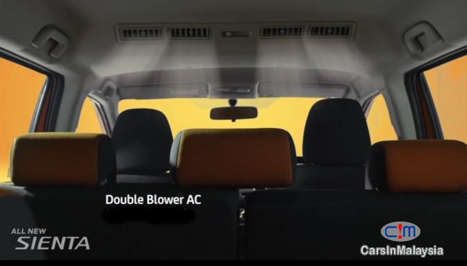 Toyota Sienta 1.5V Automatic 2017 - image 24